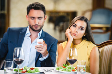 Signs A Woman Is Not Into You